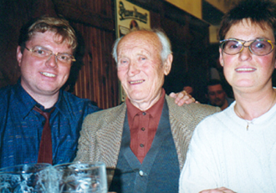 Treffen mit Jaroslav Skabrada in einer Prager Bierstube im Jahre 1999